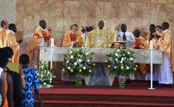 La Messe de saint Josémaria aux Deux Plateaux