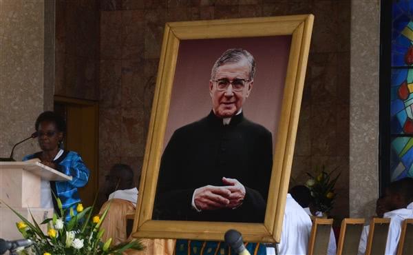 Opus Dei - D'autres messes en l'honneur de saint Josémaria