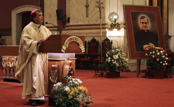 Opus Dei - Fiesta de San Josemaría Escrivá en la Catedral de Montevideo