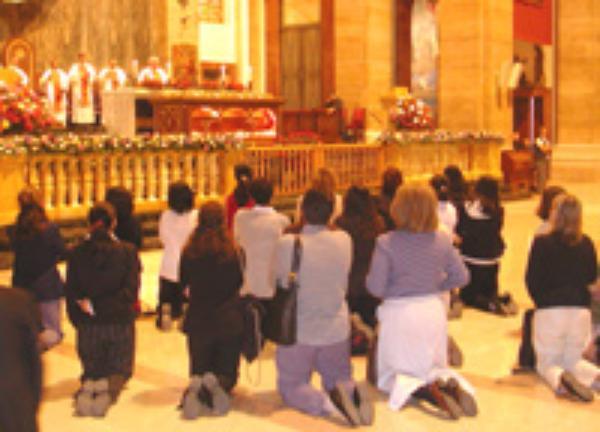 Sant'Eugenio: migliaia di fedeli pregano davanti a Josemaría Escrivá
