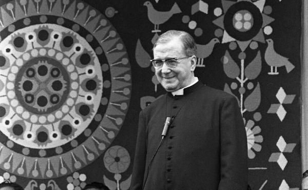 Opus Dei - Pray with Saint Josemaria via Webcam during Holy Week