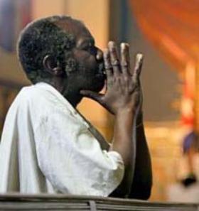 교황님을 우리의 기도와 애정으로 동반 합시다