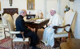Paus Franciscus ontvangt prelaat Opus Dei