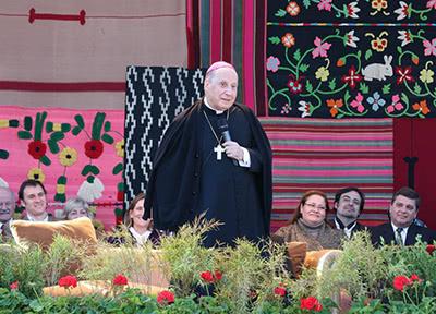 """Mons. Javier Echevarría: """"Ha sido una gran alegría llegar a la tierra del papa Francisco y poder ser un altavoz para sus palabras"""""""