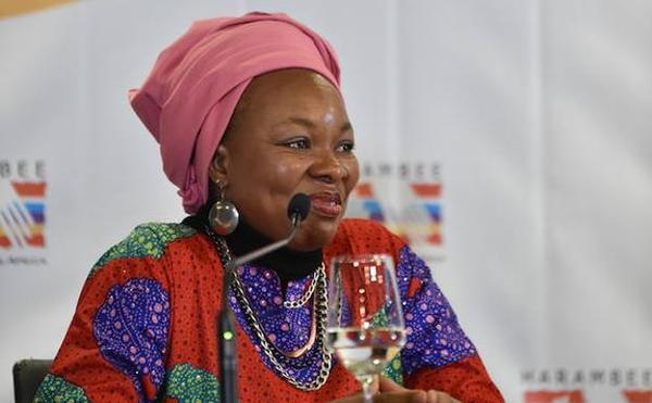 La doctora nigeriana que lucha por la formación de las mujeres en los barrios marginales de Sudáfrica