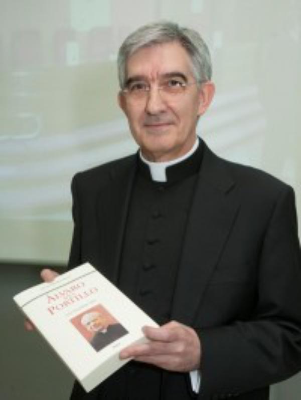 New Biography of Alvaro del Portillo