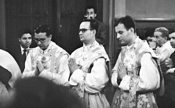 Opus Dei - Los tres primeros sacerdotes del Opus Dei (mayo-junio de 1944)