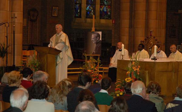 Opus Dei - Dankzeggingsmis te Brussel naar aanleiding van de zaligverklaring van Mgr. Alvaro del Portillo