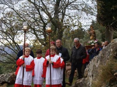 Durante la procesión con motivo de la fiesta de la 'Trobada de la Rosa'