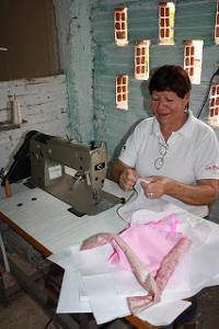 En un taller de costura