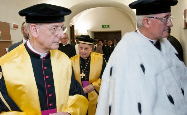 """Opus Dei - """"No estudo encontraremos a Deus e encontraremos os outros"""""""