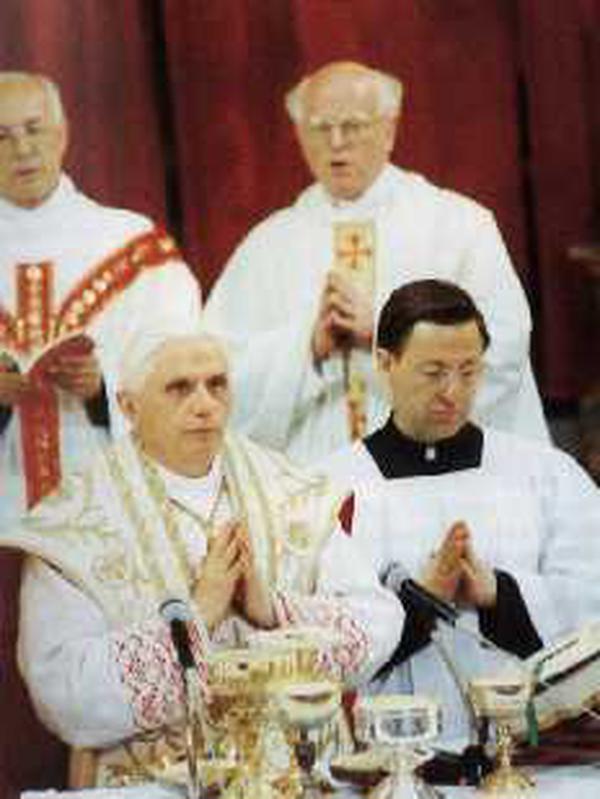 Joseph Kardinal Ratzinger bei der Seligsprechung. Rom, 19. Mai 1992