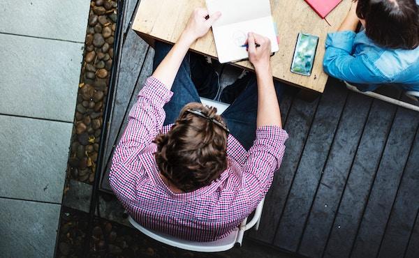 Terminar la tesis en el plazo previsto y con buena nota