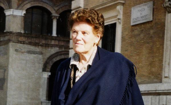 Opus Dei - Um livro conta a vida de Dora del Hoyo