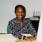 La Starr trabajando en una compañía de seguros.