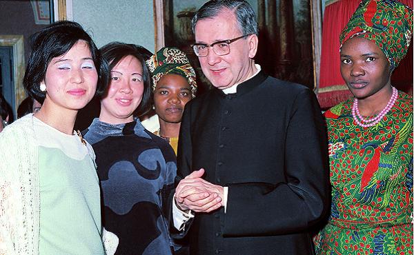 Opus Dei - ¿Cuál es la misión central y los objetivos que tiene el Opus Dei?