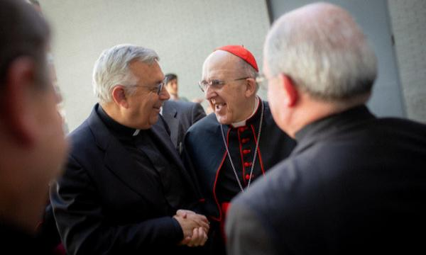 Os sacerdotes seculares podem pertencer ao Opus Dei?