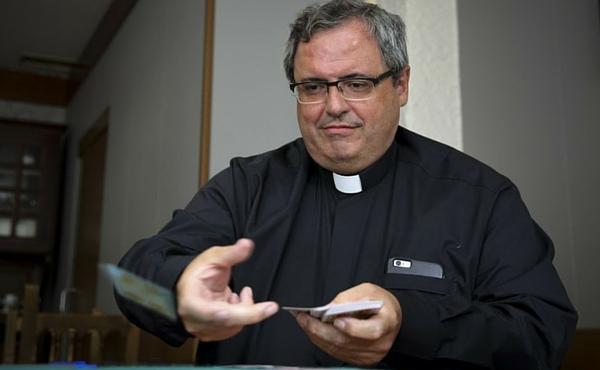 José Carlos Alonso: «Ser un cachondo mental no es incompatible con ser cura»