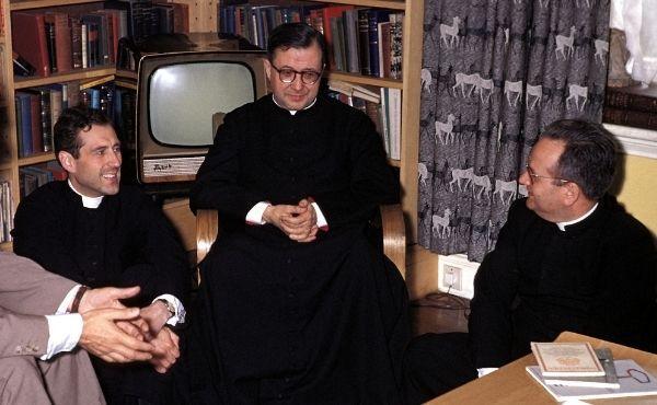I sacerdoti e l'Opus Dei, 14 febbraio 1943