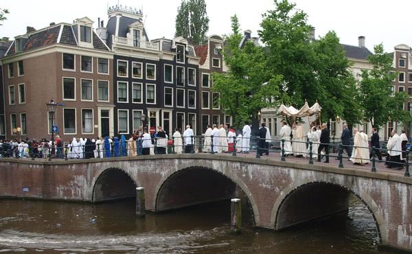 Opus Dei - Sacramentsprocessie Amsterdam