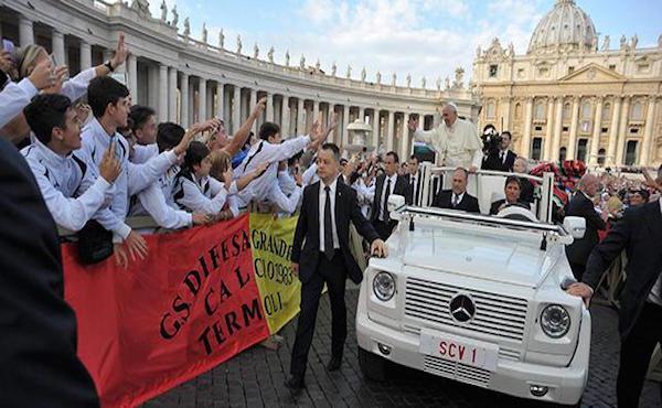 Terra, casa e lavoro: il discorso di Papa Francesco ai movimenti popolari