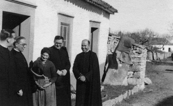 Opus Dei - Monseñor Escrivá, peregrino de Fátima