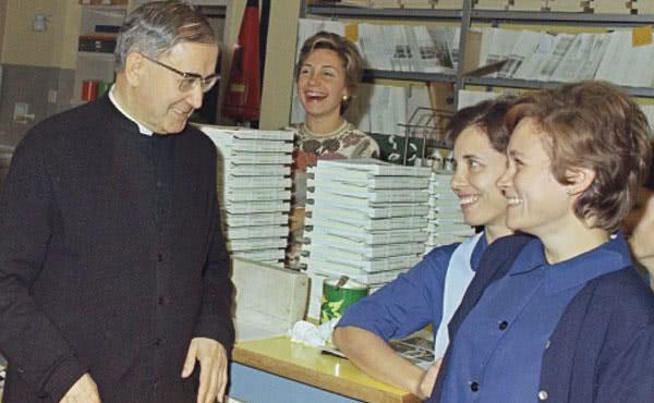 Opus Dei - San Josemaría me enseñó a trabajar con amor