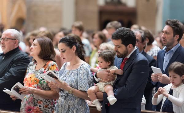 Opus Dei - El prelado: «No tengas miedo de caminar por el mundo»