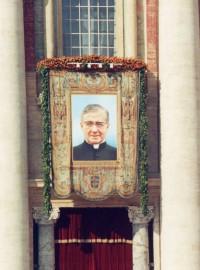 El tapiz del fundador del Opus Dei, el día de la canonización