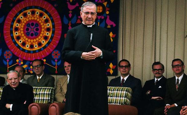 """Opus Dei - """"A San Josemaría lo tengo clavado aquí: en la memoria y en el corazón"""""""