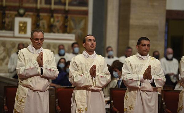 Opus Dei - El sábado 5 se ordenaron veintinueve sacerdotes, entre ellos uno de Uruguay
