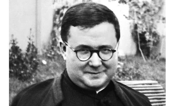 """Opus Dei - Pediu-me que o deixasse sozinho por um instante """"nesse lugar"""""""