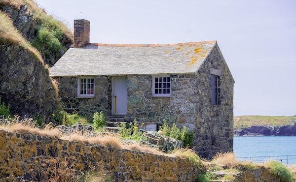 Commento al Vangelo: Una vita edificata sulla roccia