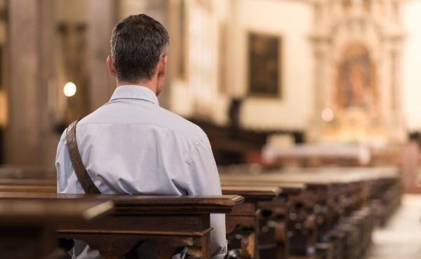 """Opus Dei - Como penitencia, un padrenuestro, dos avemarías... """"¿Y nada más?"""""""