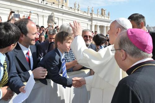 Die Familie Aureta-Wilson hatte die Chance, Papst Franziskus persönlich begrüßen zu können