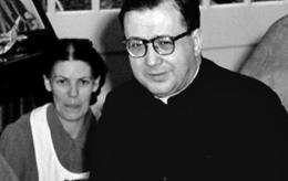 Dora et saint Josémaria, à Londres, en 1958