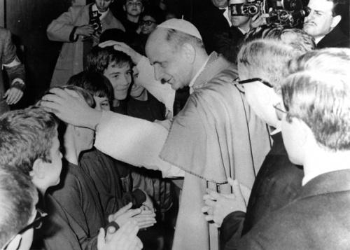 El Santo Padre Pablo VI visitando las instalaciones del Centro ELIS