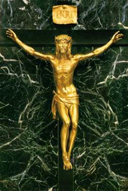 Cristo na Cruz da autoria do escultor Pasquale Schiancalepore