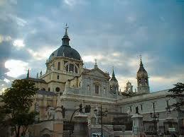 Questa cattedrale ha una lunga storia: nel 1663, sotto il regno di Filippo IV, venne posta la prima pietra. Il 15 giugno 1993 il Papa Giovanni Paolo II visitò la chiesa