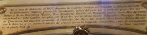 Erinnerungsplakette an die ersten Besinnungstage des hl. Josefmaria nach dem Übergang über die Pyrenäen