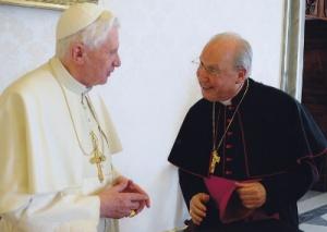 Benedikt XVI s biksupom Javierom Echevarria, Prelatom Opusa Dei