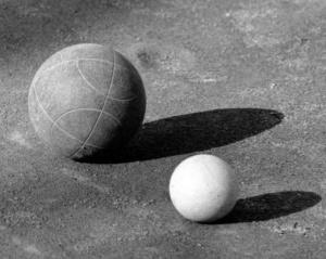 A partire dal 1965, san Josemaría cominciò a praticare un altro sport a buon mercato, che non richiedeva particolari attrezzature: le bocce