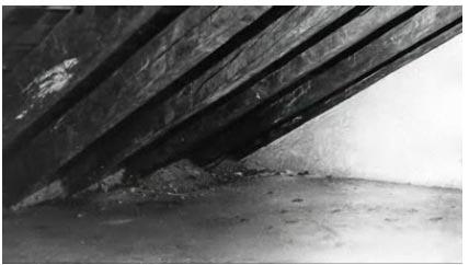 Die Dachkammer, wo der hl. Josefmaria sich im August 1936 mehrere Stunden versteckt hielt