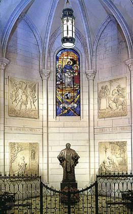Die dem hl. Josefmaria Escrivá de Balaguer geweihte Seitenkapelle