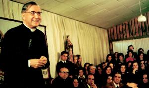 Une réunion lors de ses voyages de catéchèse en 1974