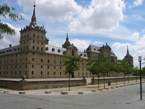 Fotografía del Monasterio de san Lorenzo (El Escorial), donde san Josemaría predicó unos ejercicios espirituales a los religiosos que allí vivían.