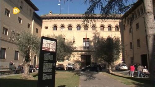 Fachada do colégio dos escolápios, onde o fundador do Opus Dei estudou