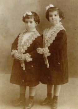 Lolita (links) en Asunción (rechts).