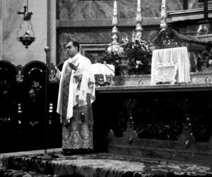 Il 17 ottobre del 1960, San Josemaría ritornò a celebrare la Santa Messa in questa Basilica. Assistettero alla celebrazione centinaia di persone