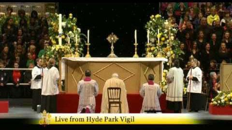 Adoration eucharistique à Hyde Park, à Londres, en septembre 2010